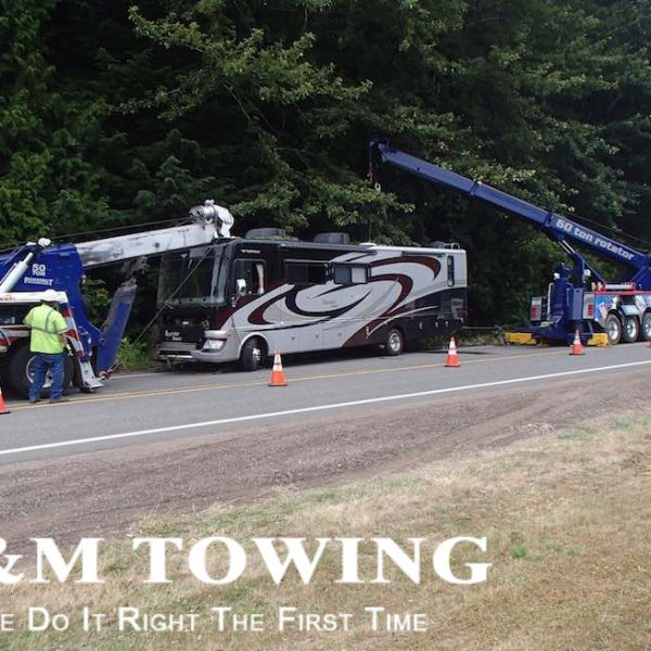 After motorhome extracted from ditch and rv towing at its best